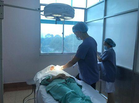 nút chuông gọi y tá FS-100 được lắp đặt tại phòng tiểu phẫu spa