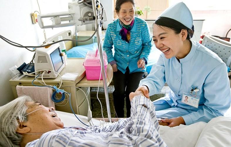 Hãy lắp chuông gọi y tá để bệnh nhân không phải chịu những cơn đau kéo dài