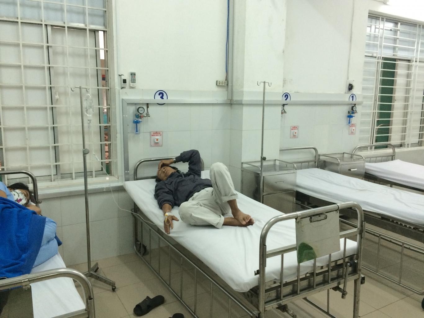 nút chuông bấm gọi y tá ST-100 không dây được lắp tại khoa hồi sức cấp cứu trung tâm y tế quận Ngũ Hành Sơn Đà Nẵng