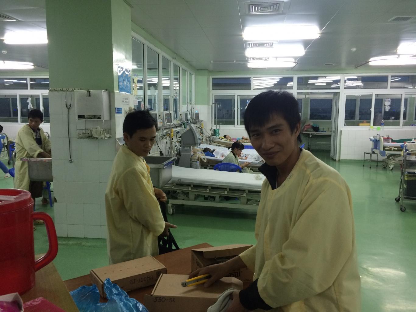 Thi công lắp đặt nút chuông gọi y tá ST-100 và màn hình SR-330 cho khoa  nhi – BVPS Nhi Đà Nẵng